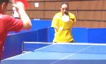 Ping Pong Champion ohne Arme
